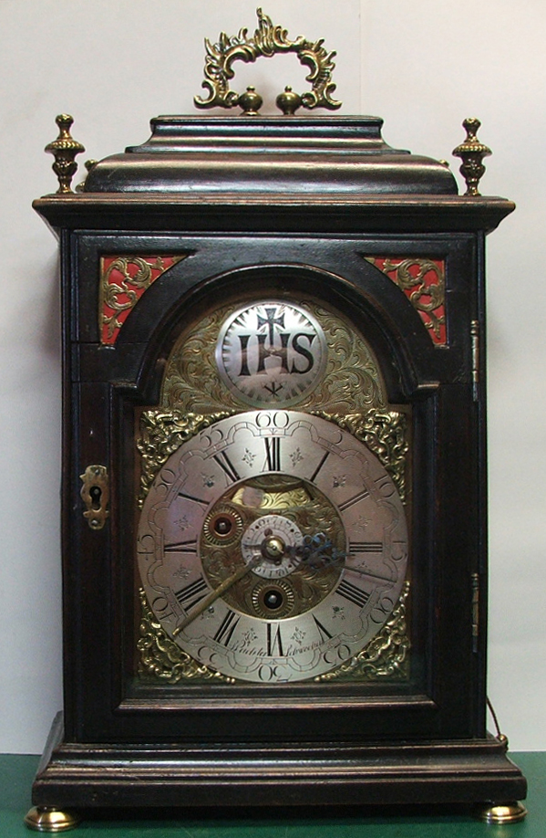 IHC bracket clock 005